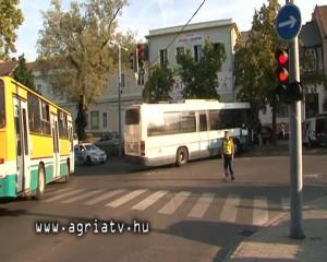 0831busz_eger_v